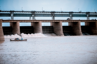 DPW Holdings invests in dam in order to alleviate crypto-mining woes.