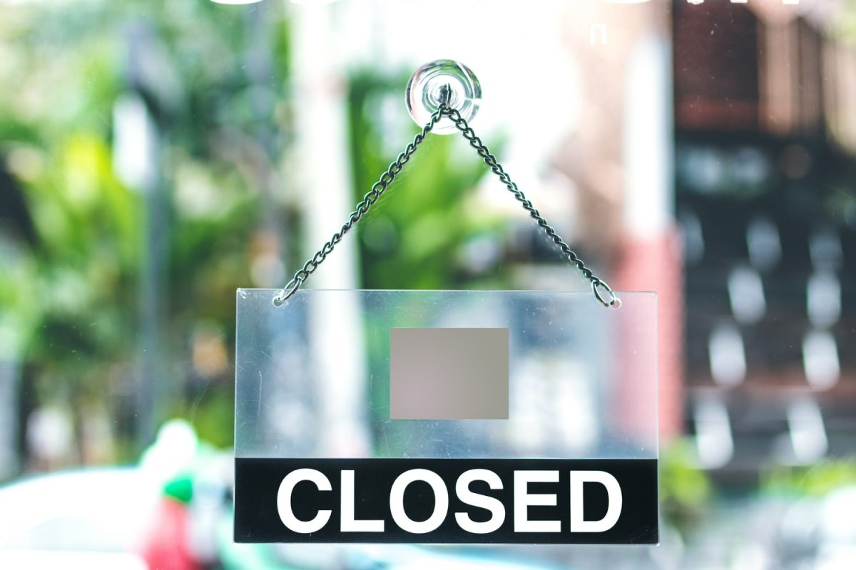 South Korean Zeniex exchange shuts down.